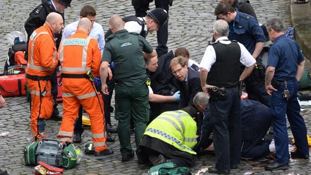 [NATL] Car Strikes Pedestrians Near British Parliament, Suspect Killed
