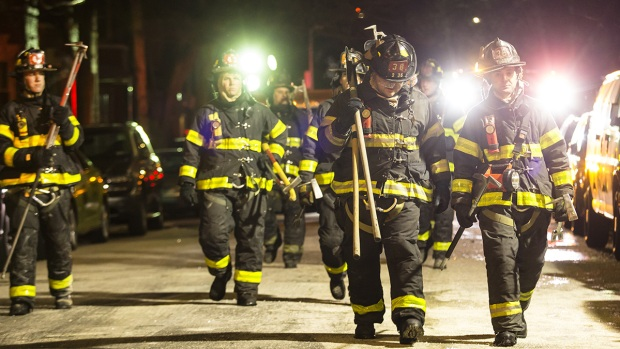 [NATL-NY] Dramatic Images: Firefighters Battle Fatal Bronx Blaze