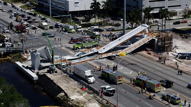 Top News Pics: FIU Bridge Collapse Kills 6
