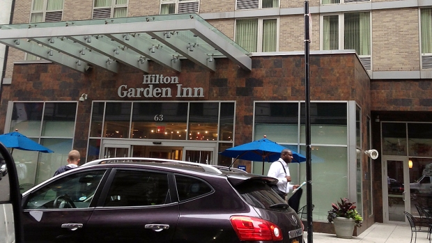 [NY] Man Found Dead Under Mattress at Midtown Hotel: NYPD