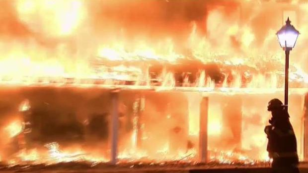 [NY] Inferno Engulfs Part of Private NY Apartment Complex