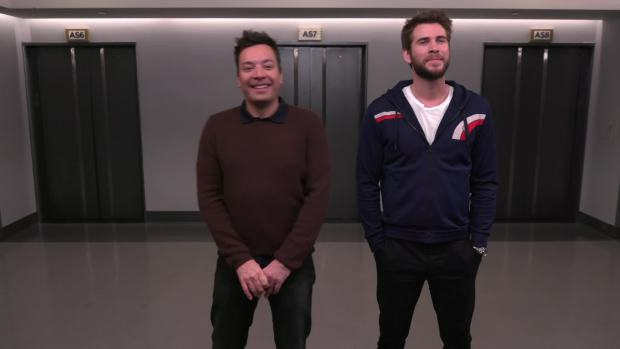 [NATL] 'Tonight': Fallon, Liam Hemsworth Mistake Each Other for Other Celebs