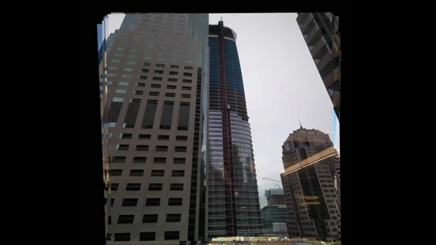 RAW: Salesforce Tower Construction Time-Lapse