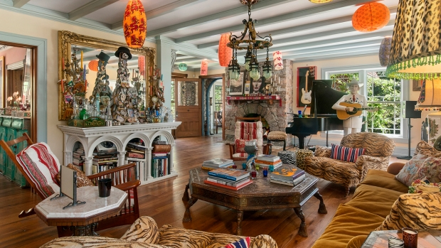 [NATL-NY]See Inside: Christie Brinkley's Stunning Hamptons Home of 18 Years on Market for $29.5 Million