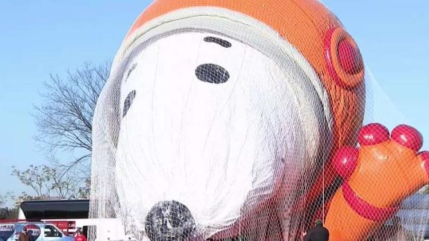 [NY] Macy's Parade Balloons Take Test Flight in New Jersey