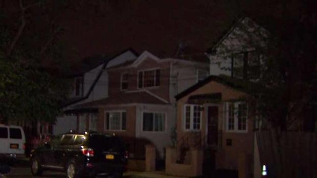[NY] Man Comes Face to Face With 3 Armed Home Intruders: Police