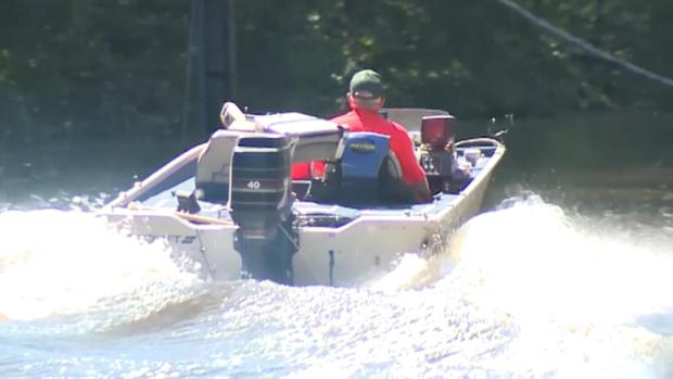[DFW] 70-Year-Old Twins Helping Flood Victims by Boat