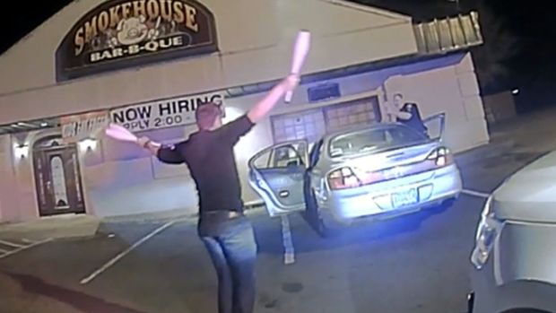 Arkansas Student Prove Sobriety by Juggling During Stop