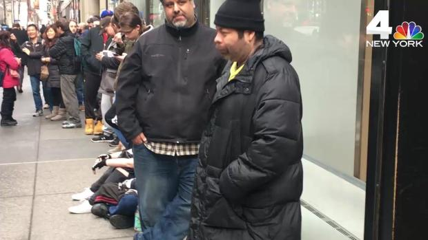 [NY] NYC Nintendo Fans Wait in Line for Disappointment