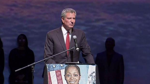 [NY] NYPD Officers Turn Their Backs on Mayor de Blasio