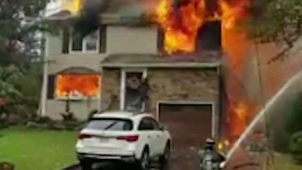 [NY] Pilot Dead After Small Plane Crashes into NJ Home