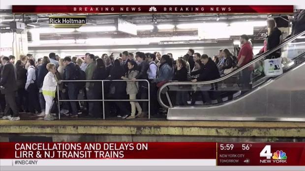 Rail Commuters Again Deal With Delays at Penn Station