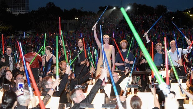"[G-2015] ""Star Wars"" Fans Treated to Surprise Concert at Comic-Con"