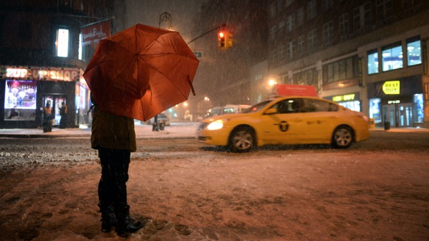 [NY] Manhattan Quiet on a Snowy Night
