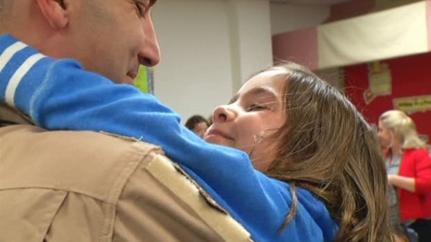 [DFW] Military Dad Surprises Daughter at School