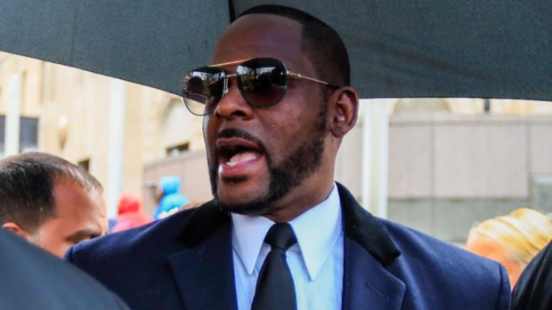 [NY] R. Kelly Indicted on Kidnapping, Child Sex Charges