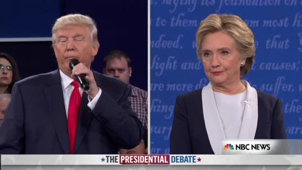 Clinton Brings Up Trump Income Tax History