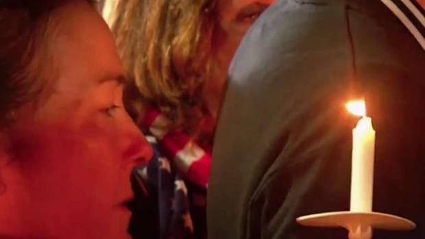 [NY] Emotional Vigil Held for 20 Victims Killed in NY Limo Crash