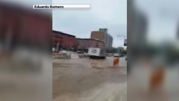 [NY] Houston Street Floods After Water Main Break