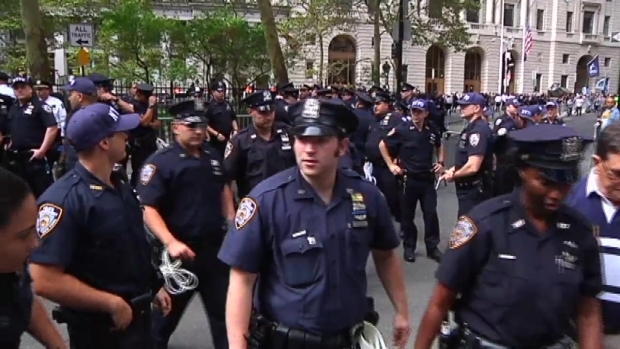 [NY] Climate Change Protesters Flood Wall Street