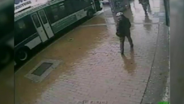 [NY] Suspect in Hatchet Attack on NYPD Officers