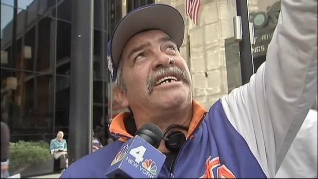 Crowds React to 1 WTC Rescue