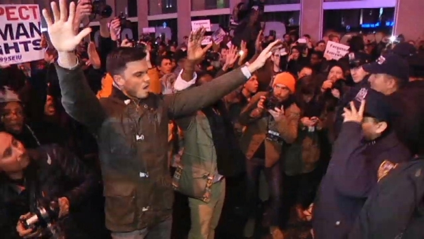 [NY] Protesters Flood Streets, Grand Central Station Following Garner Grand Jury Decision