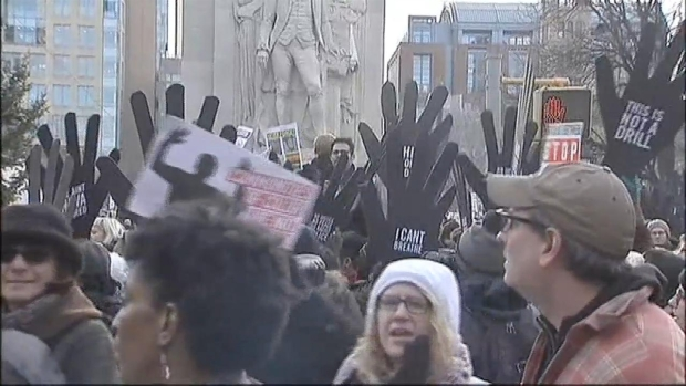 [NY] Thousands March in NYC Against Police Deaths
