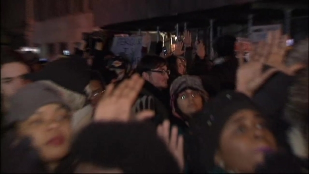 [NY] Clashes With Police Mar NYC Protest March