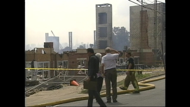 From the Archives: 2000 Edgewater Apartment Complex Burns