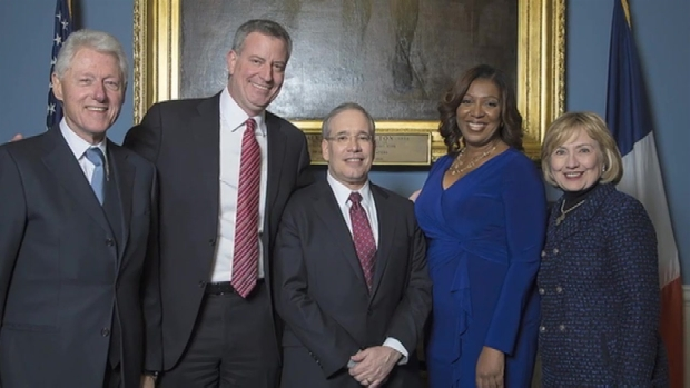 [NY] Mayor de Blasio Won't Endorse Hillary Clinton Yet