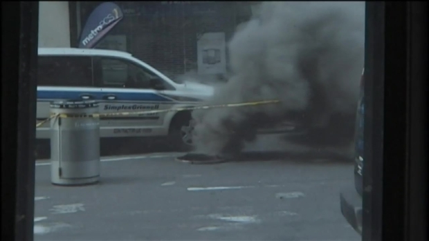 [NY] Dramatic Cellphone Video Captures Midtown Manhole Fire