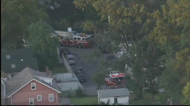 [NY] Firefighter Shot on Staten Island Amid Blaze, Police Standoff