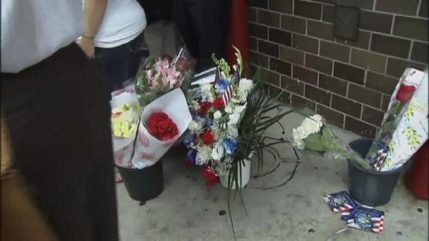 [NY] Firehouse Honors 9/11 Heroes