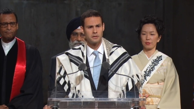 [NATL-NY] Jewish Cantor Sings During Pope's 9/11 Memorial Visit