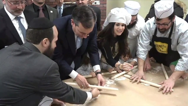 [NATL-NY] WATCH: Ted Cruz Rolls Matzo in Brooklyn