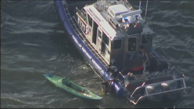 [NY] Kayakers are Rescued From the New York Harbor by the NYPD