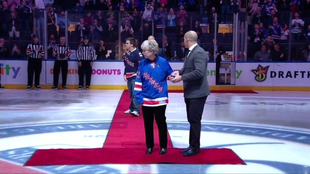 [NY] Rangers Pay Tribute to NYPD Det. Steven McDonald