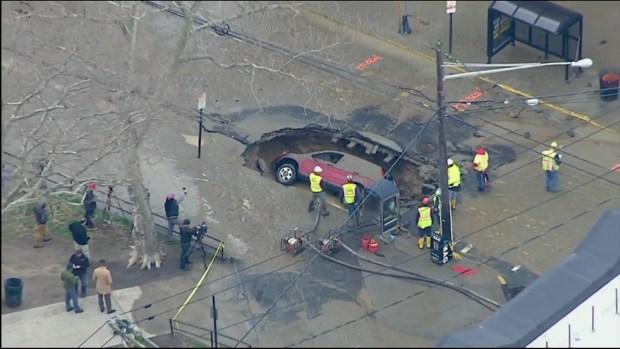[NY] Sinkhole Swallows SUV in Hoboken