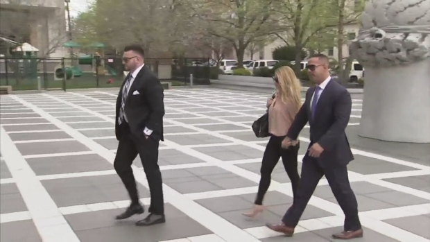 "[NY] Raw Footage: Mike ""The Situation""  Sorrentino Arrives at Court"