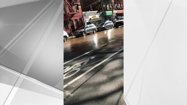 [NY] Giant Sinkhole Grows on Lower East Side