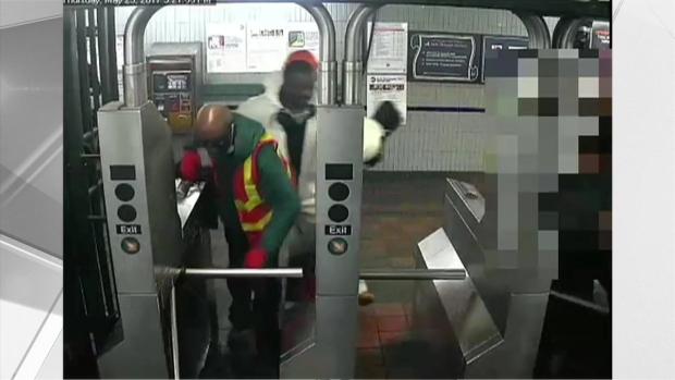 [NY] Surveillance Video Shows Suspects in $800K NYC Jewelry Heist