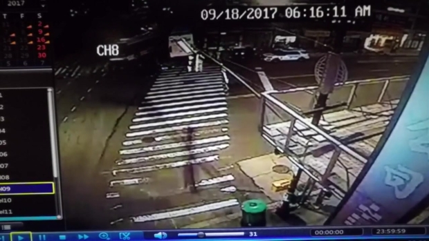 [NY] Dramatic Video Shows NYC Bus Crash Moment of Impact