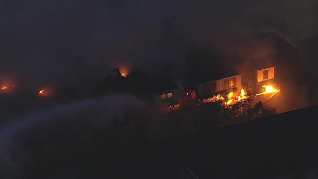 [NY] Fire Tears Through Abandoned Building in New Jersey