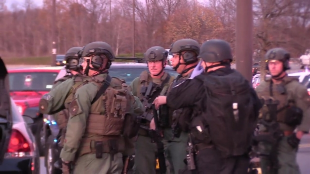 SWAT Responds After Reports of Shooting at NY Mall