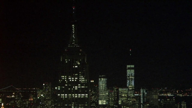 Empire State Building Sparkles for Earth Hour