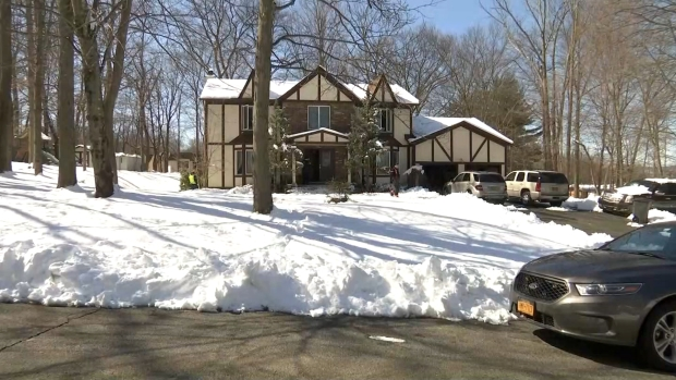 [NY] Raw Video: Dad Finds Wife, Daughters and Dogs Blacked Out in NY Home