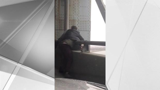 [NY] Dramatic Video Shows Rescue on Verrazzano-Narrows Bridge