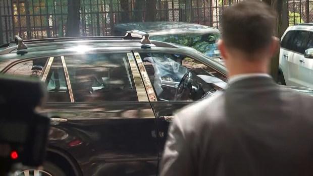 [NY] Raw Video: Cuba Gooding Jr. Arrives at SVU in Manhattan