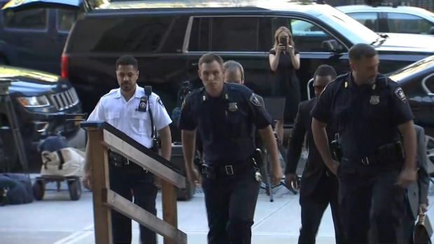 [NY] Cuba Gooding Jr. Arrives at NYC Court for Sex Case Hearing
